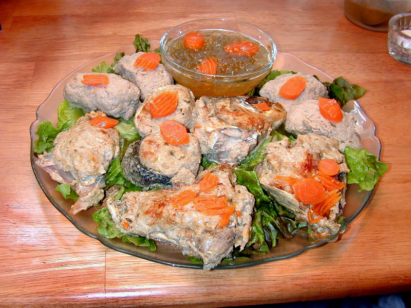 how to serve gefilte fish